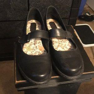 Ladies born shoes